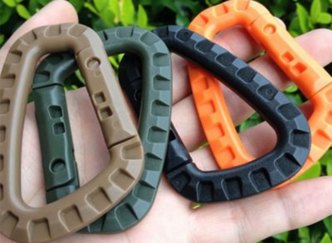 Army Green Plastic Big Snap Hook Carabiners Customized Bone Shape 85 * 56mm
